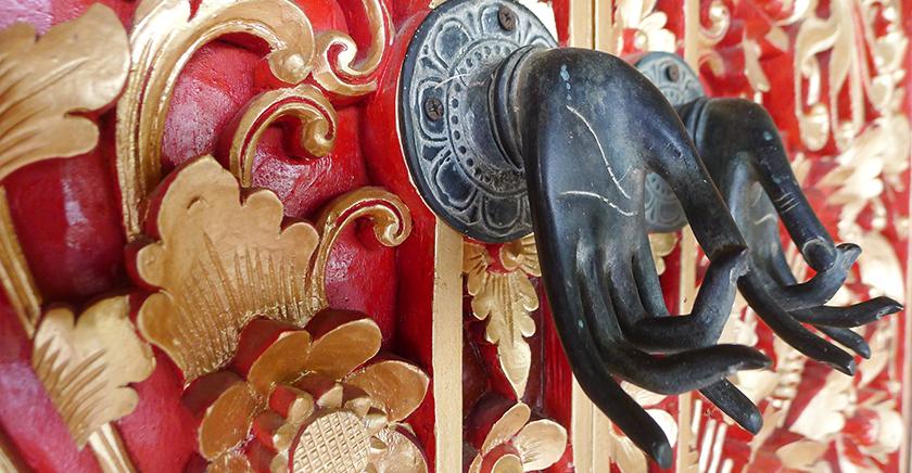 Detailed door handle to the Prada Suite - Villa Wastra